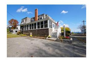 2 Phillips Ave, Rockport, MA 01966