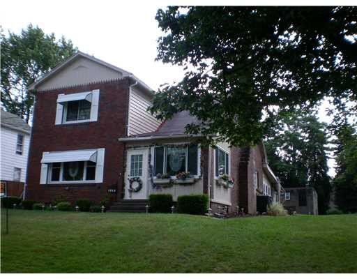 1004 N Beaver St, New Castle, PA 16101