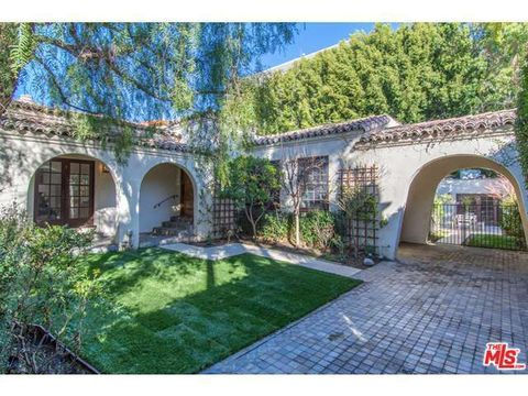 312 El Camino Dr, Beverly Hills, CA 90212
