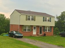 427 Devon Dr, Johnstown, PA 15904