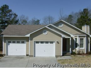 5924 Lively Ct, Fayetteville, NC 28306