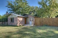 949 Myrta St, Kerrville, TX 78028