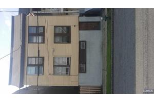 28 Wheeler St, Montclair, NJ 07042