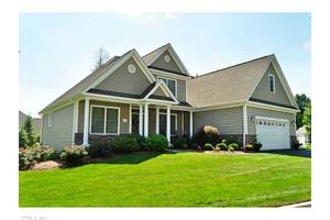 21 Chimney Hill Dr, Farmington, CT 06032