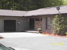 12137 Forestville Rd, Silver Creek, NY 14136