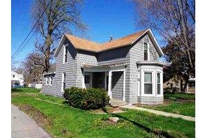 242 S Stewart Ave, Sedalia, MO 65301