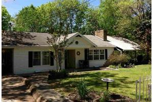 119 Cedarglade Rd, Hot Springs, AR 71901