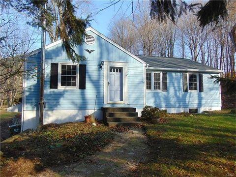 181 Berkshire Rd, Newtown, CT 06482