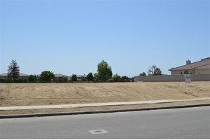 2300 Brighton Park Dr, Bakersfield, CA 93311