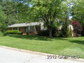 3113 Village Dr, Waynesboro, VA 22980