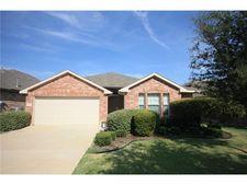 1233 Nighthawk Rd, Fort Worth, TX 76108