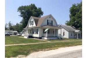 106 W Chestnut St, Mt. Sterling, IL 62353