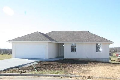 207 N Christopher Ln, Clever, MO