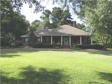 970 Petrified Forest Rd, Flora, MS 39071