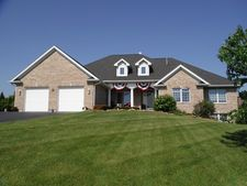 335 Meadow Vw, Burlington, IL 60109