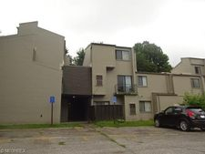 38330 North Ln Apt J108, Willoughby, OH 44094