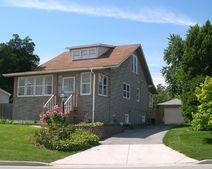 220 Bluff Ave, La Grange, IL 60525