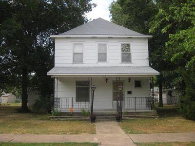 513 W 2nd St, Coffeyville, KS