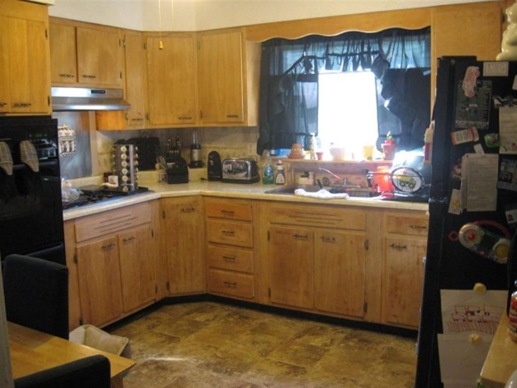 5303 midway dr huntington wv 25705 for 1 kitchen huntington wv