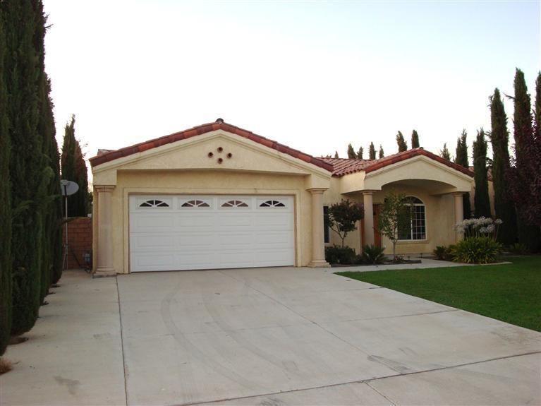 2604 Trentino Ave Bakersfield, CA 93313