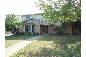 6021 Pinehurst Dr, Corpus Christi, TX 78413