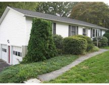 41 Clover St, Worcester, MA 01603