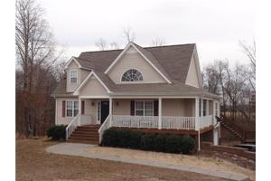 506 Fawn Ct, Burns, TN 37029