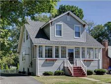 8 Goodwin Ave, Wethersfield, CT 06109