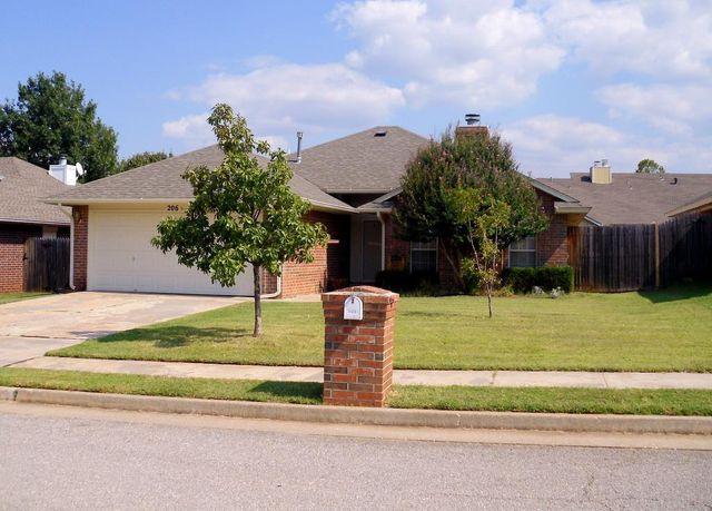 206 Jennifer Ave Edmond Ok 73003 Home For Sale And