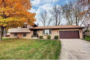 621 Lake Forest Dr, West Carrollton, OH 45449