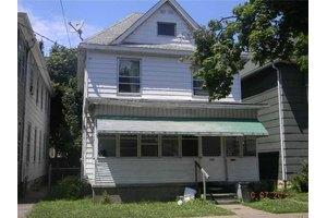 758 E 8th St, Erie City, PA 16503