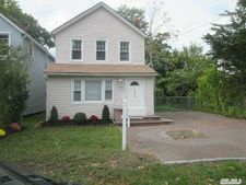 152 Rider Ave, Patchogue, NY 11772