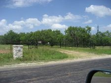 4300 Jakes Colony Rd, Seguin, TX 78155