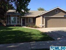 1994 W Pleasant Ave, Tulare, CA 93274