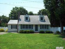 28 Cornell St, East Northport, NY 11731