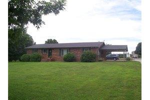 122 Sandusky Rd, Shelbyville, TN 37160