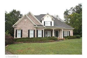 26 Winterberry Ct, Greensboro, NC 27455