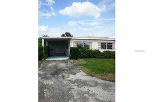 1428 Southshore Dr, Tavares, FL 32778