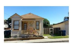 151 12th St, Pacific Grove, CA 93950