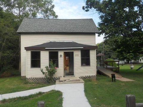 Photo of 310 Cedar St, Decatur, MI 49045