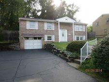 130 Glenhurst Dr, Penn Hills, PA 15147