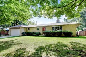 2949 Castlewood Rd, Columbus, OH 43209