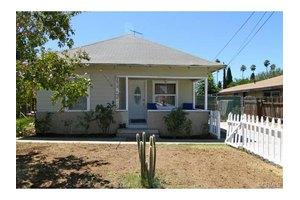3678 McKenzie St, Riverside, CA 92503