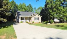 3633 Applewood Rd, Randleman, NC 27317