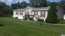 7 Meadowview Dr, New Bloomfield, PA 17068