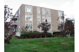 1028 Farmington Ave # 3a, W Hartford, CT 06107