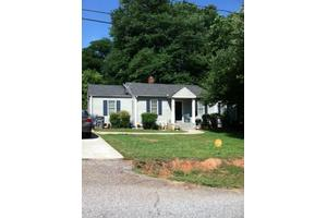 2 Collinson Rd, Greenville, SC 29605
