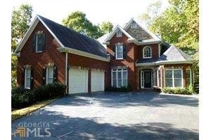 8910 Bay View Ct, Gainesville, GA 30506