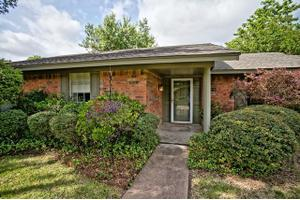 1201 Meandering Way, Garland, TX 75040