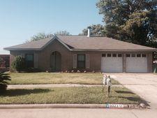 6023 Black Maple Ln, Houston, TX 77088